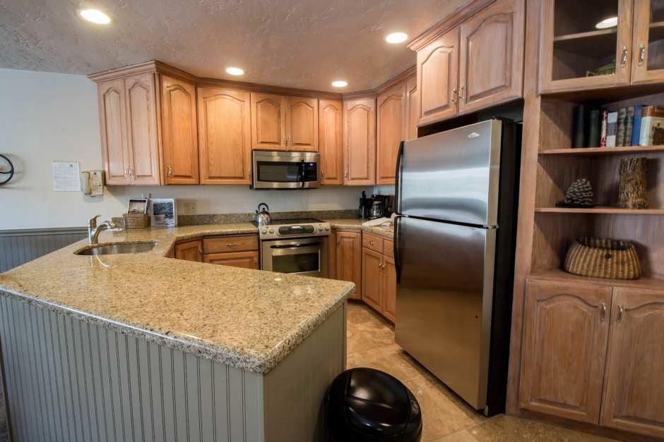 Unit #55 Kitchen / Dining Area