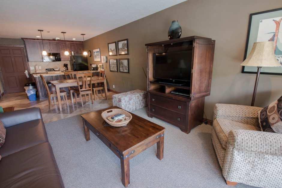 Unit# 27 Livingroom
