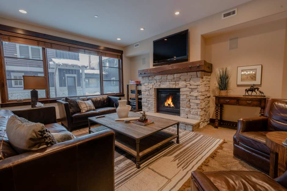 Luxury Ski-In Ski-Out Park City Condo | Silver Star 4102 - Photo - 01