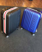 4-WHEEL CABIN CASE RACE BLUE