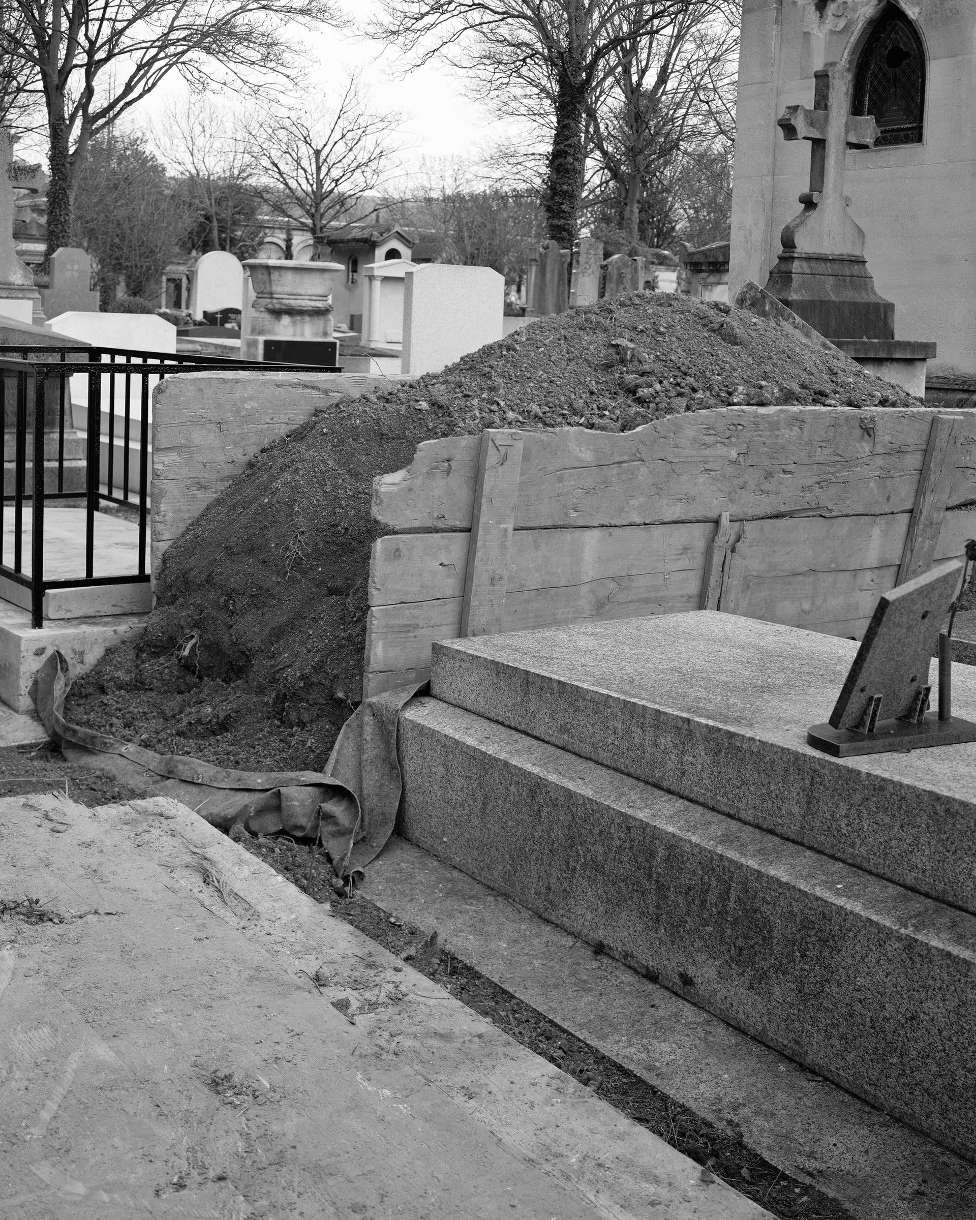 Père Lachaise Cemetery, 2020
