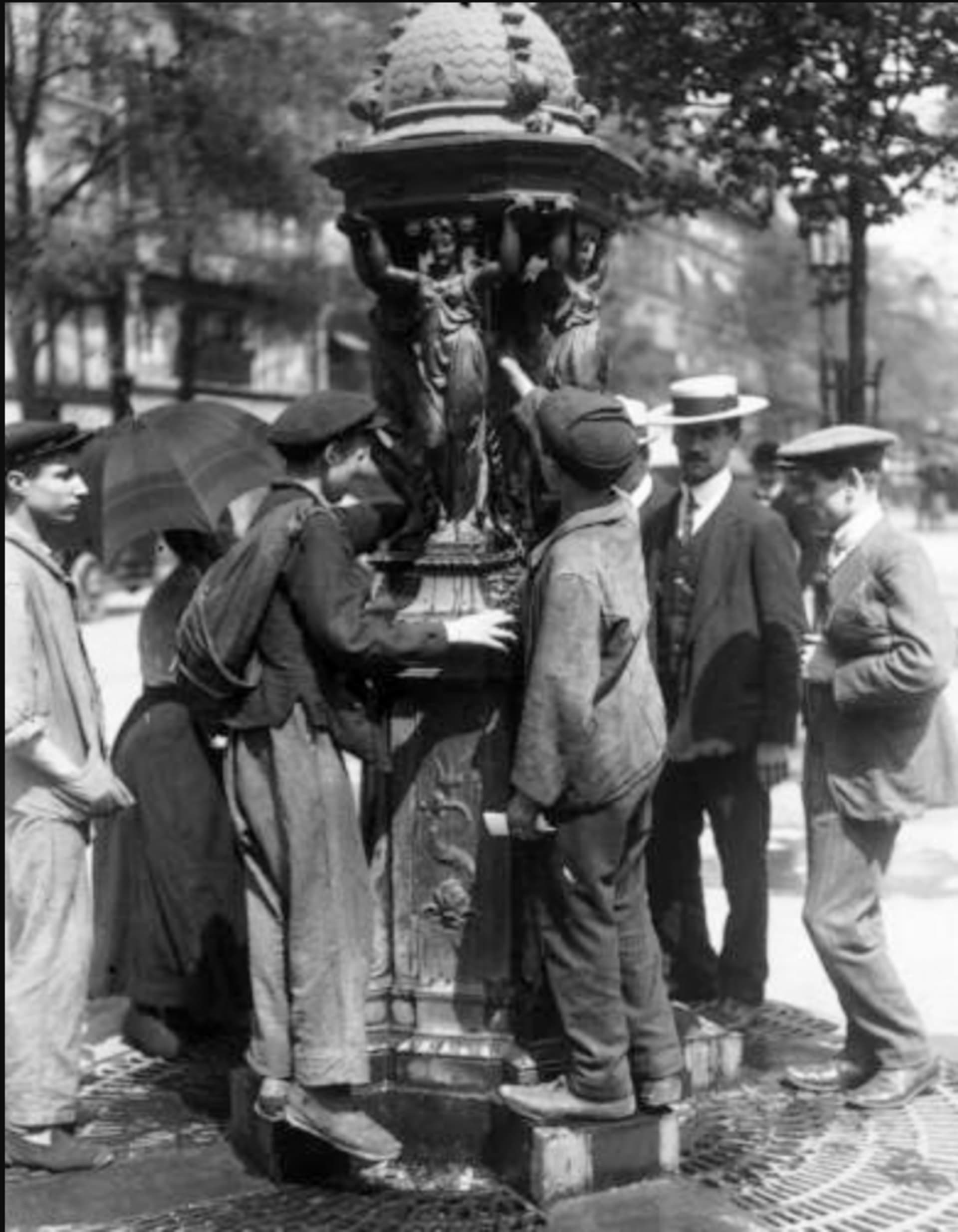Drinking Fountain Image