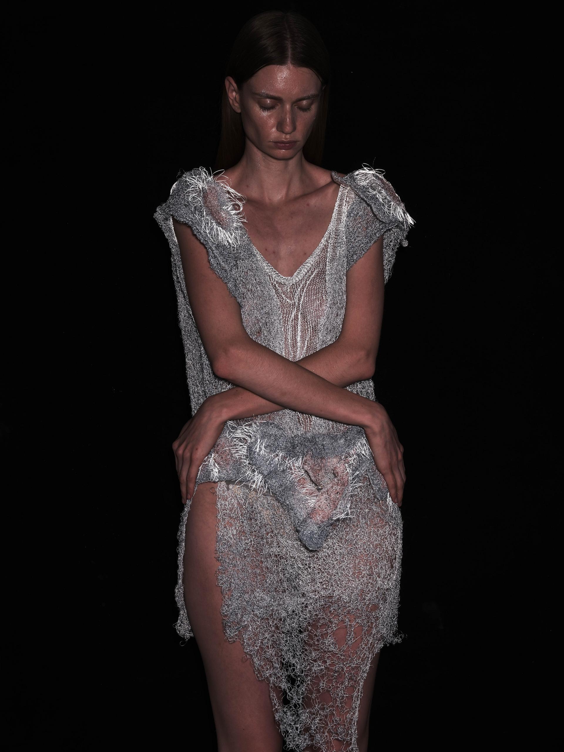 HUG ME Conceptual Inflatable Garment
