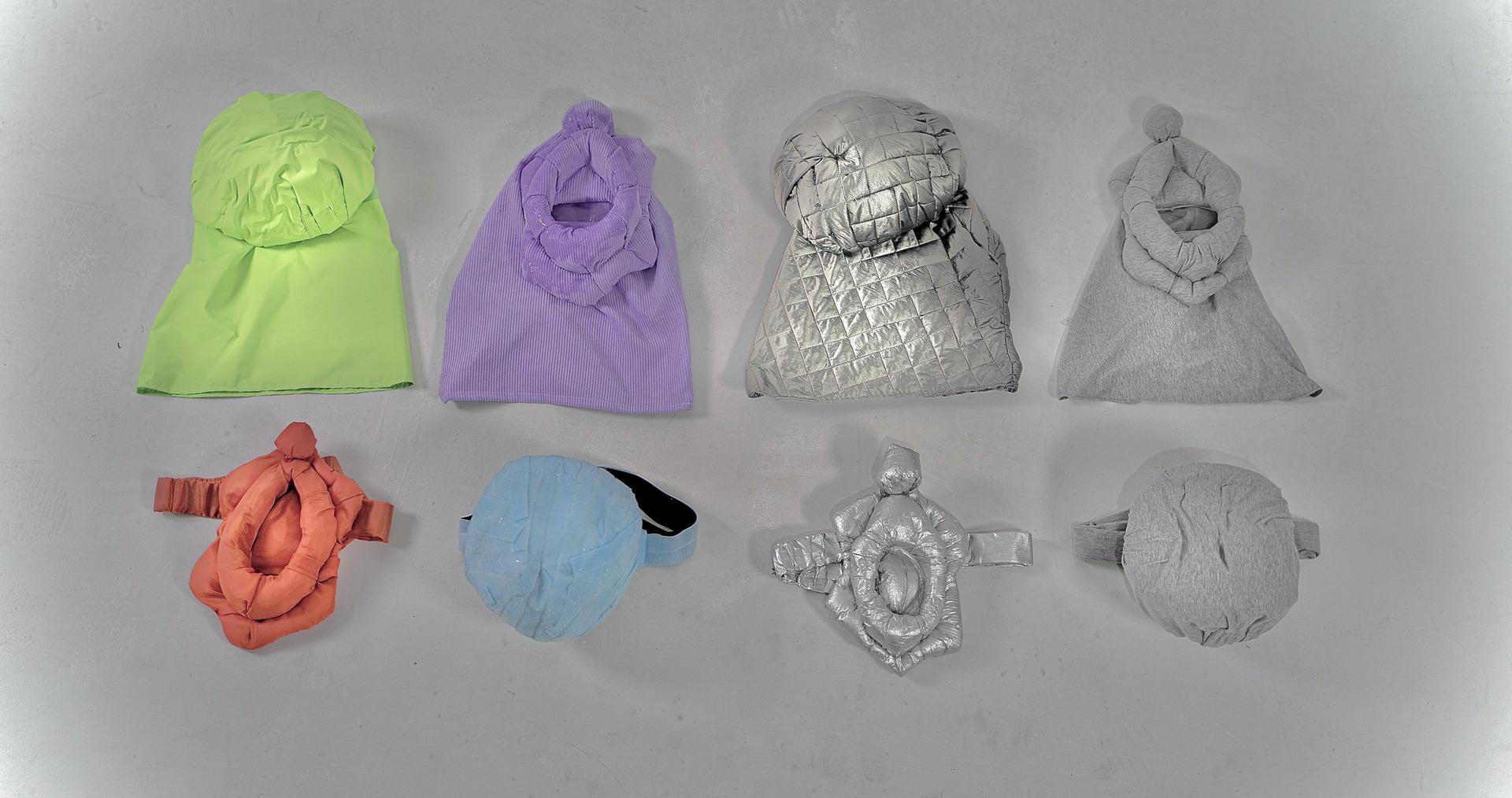 Wearable objects '6 9'