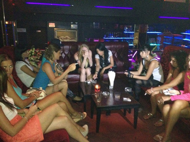 Три десятка русских проституток пойманы в Патонге