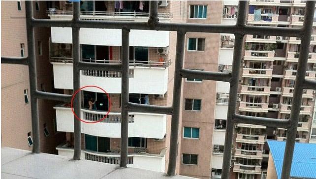 Голая русская на балконе
