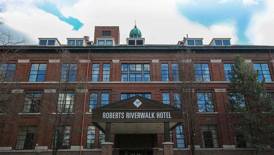 Roberts-Riverwalk-Hotel_i.jpg
