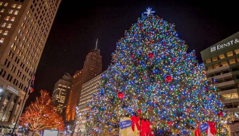 Monday-November-02-2015-DOWNTOWN-DETROIT-S-2015-CHRISTMAS-TREE-TO-ARRIVE-ON-WEDNESDAY-NOVEMBER-4_news_item