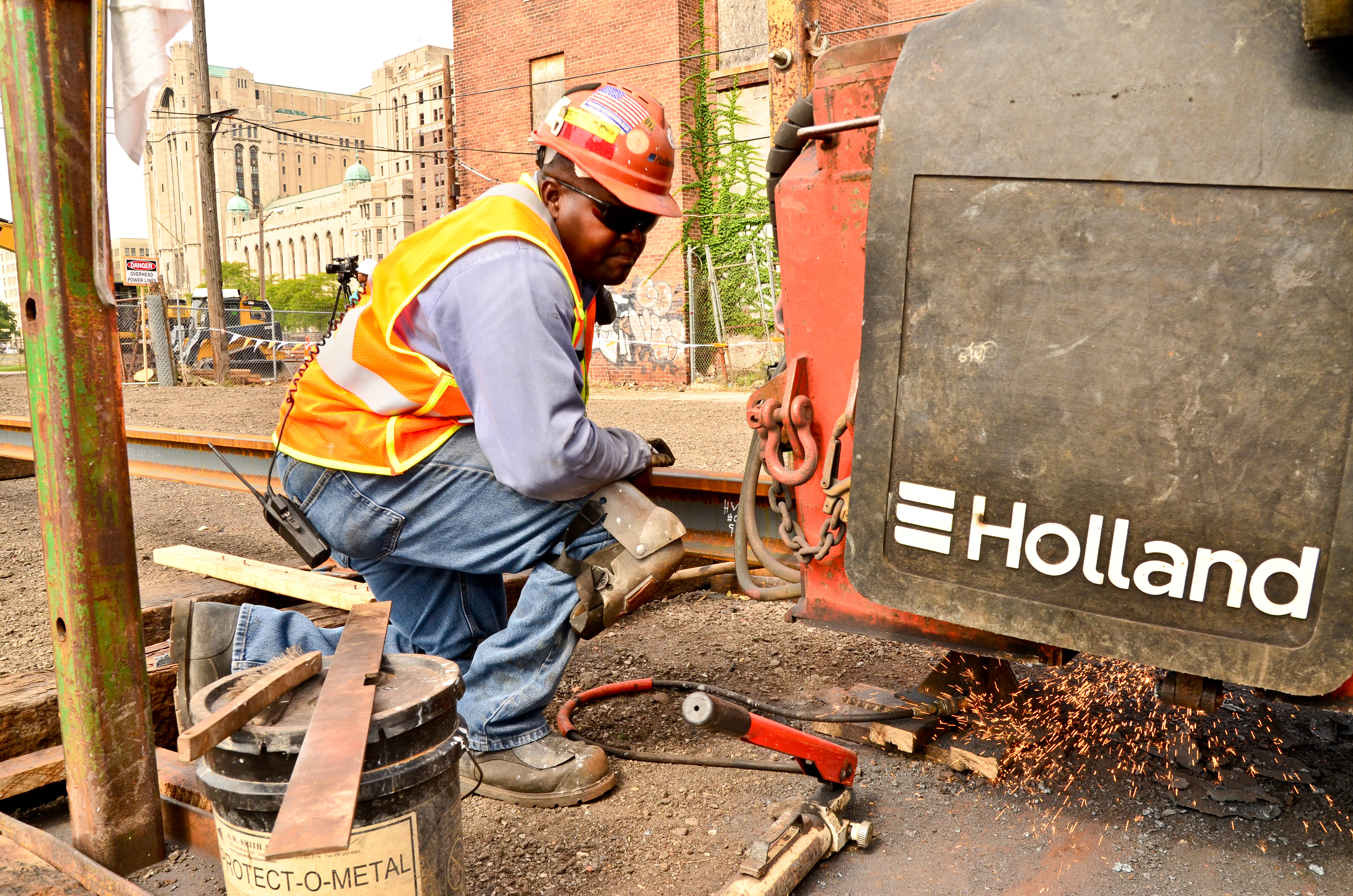 M-1 RAIL BEGINS WELDING TRACK FOR STREETCAR LINE | The