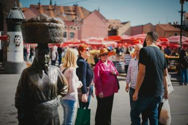 You will shop at Dolac, Zagreb's largest farmers' market. You need to get all the ingredients for a typical local lunch. Your instructor will be there to help you out