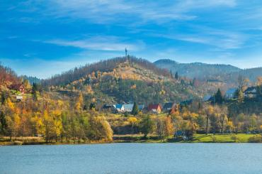 At the end of the trip you will be taking a walk alongside the stunning lake Bajer