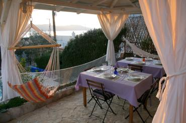 You'll be enjoing your outdoor meals with a nice view of the Adriatic sea