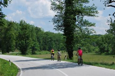 Cycling on the road, anticipation will rise as you approach Plitvice lakes