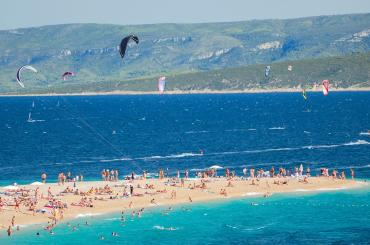The famous beach Zlatni rat is a playground for all water sport enthusiasts