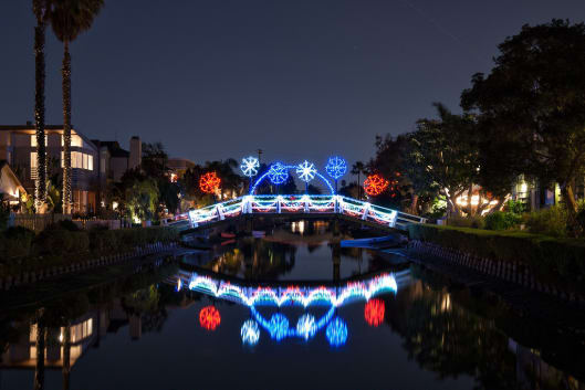 Venice Canals Christmas Lights 2018 in Los Angeles - Dates & Map