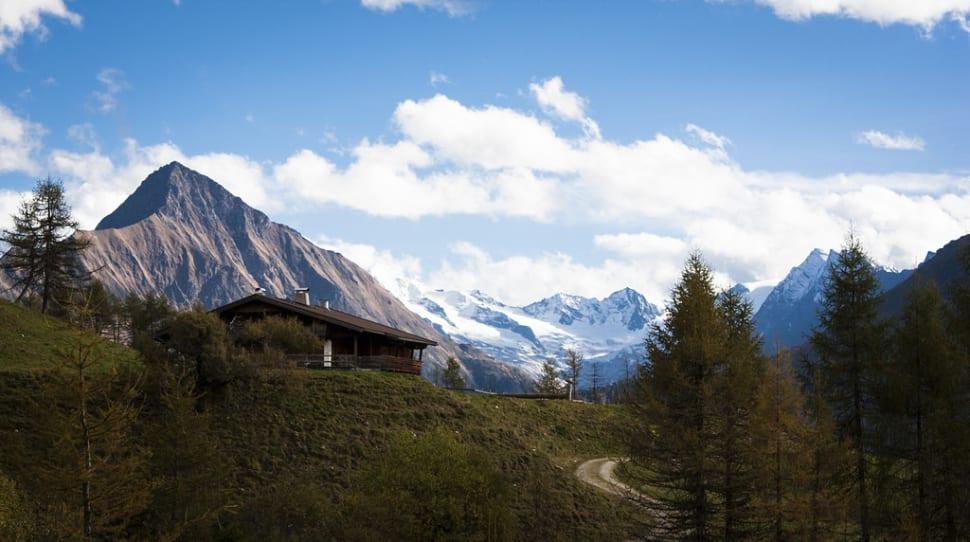 Hiking in the Alps in Austria - Best Season