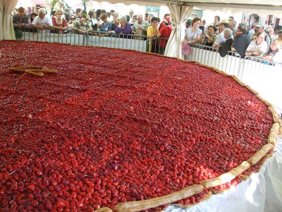 Giant strawberry cake with 8 m diameter