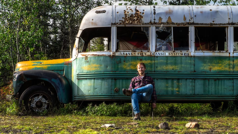 Stampede Trail and Bus 142 in Alaska - Best Time