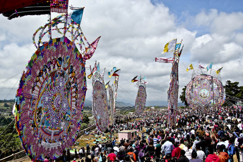 Festival de Barriletes Gigantes or Day of the Dead Kite Festival in Guatemala - Best Time
