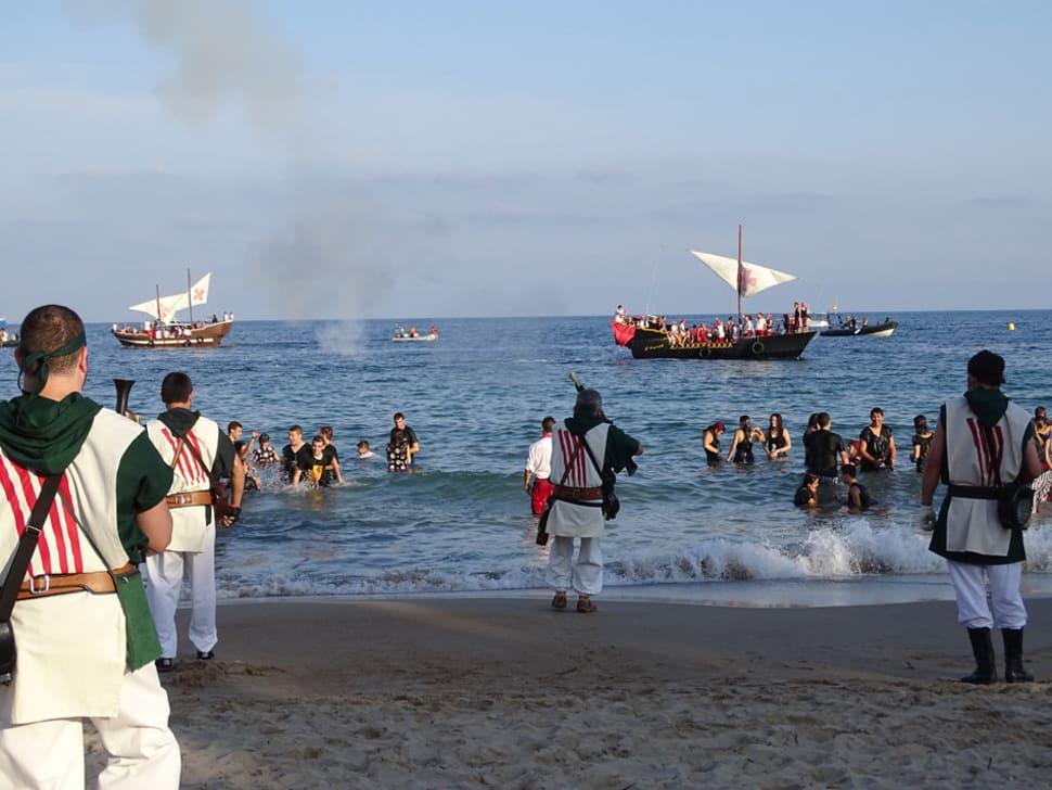 Villajoyosa Moors & Christians Festival in Alicante - Best Time