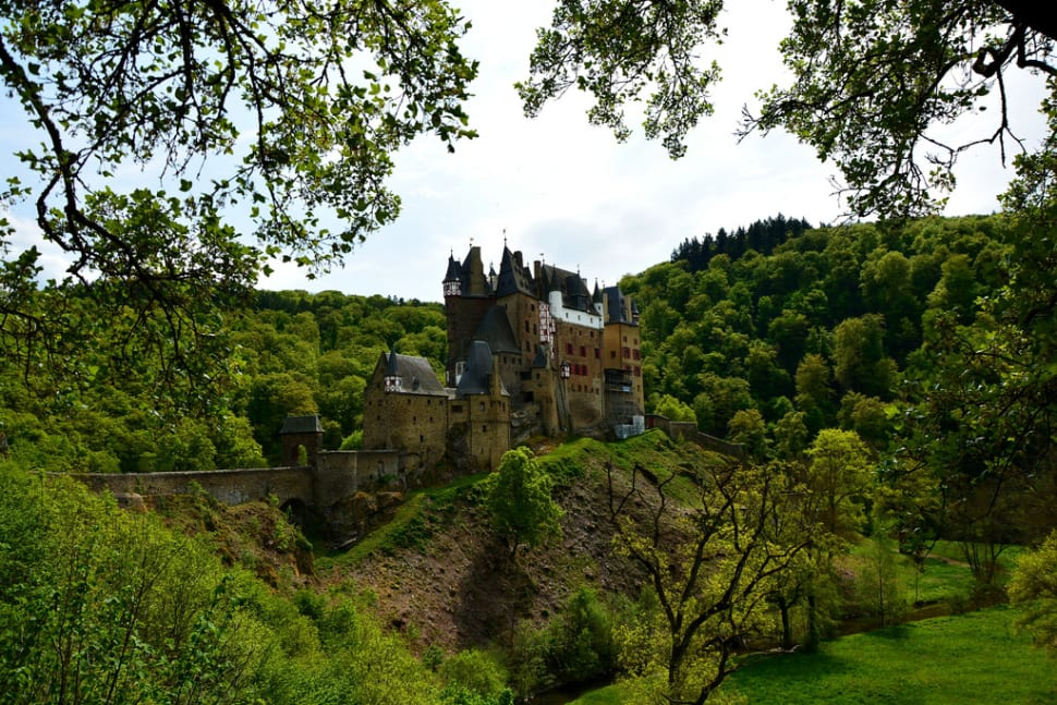 Best time to see Eltz Castle in Germany