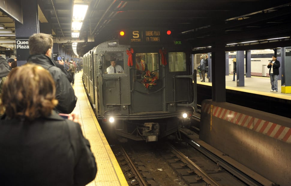 Vintage Trains and Buses in New York - Best Time