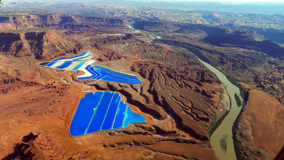 Potash Evaporation Ponds in Utah - Best Season