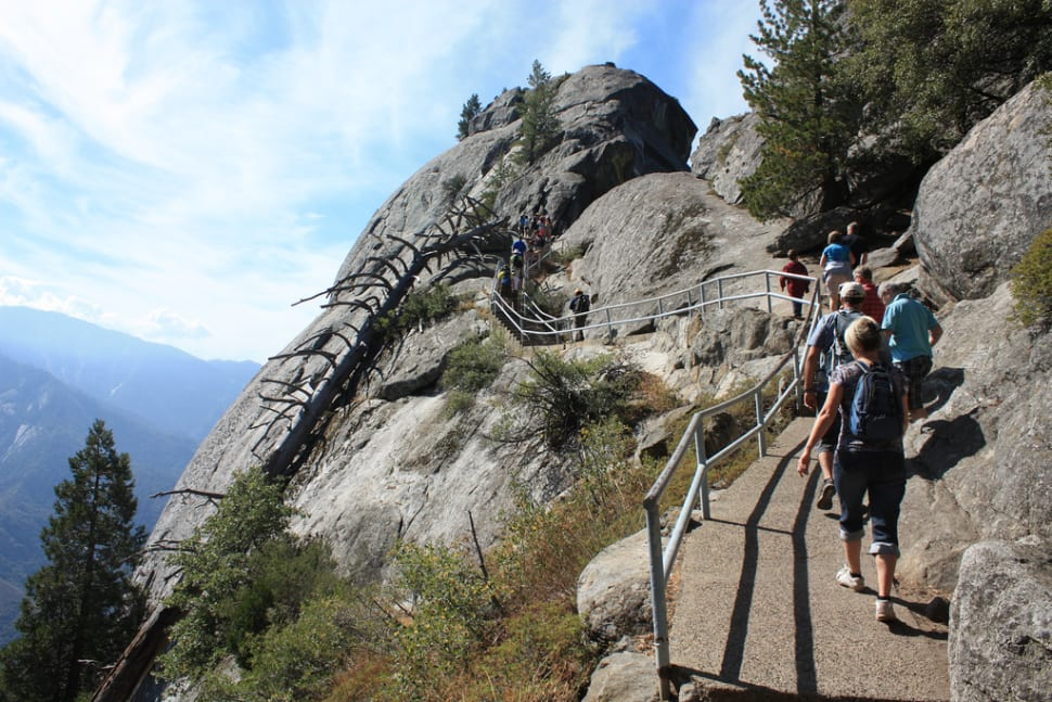 Best Time For Moro Rock Hike In California 2018 Best