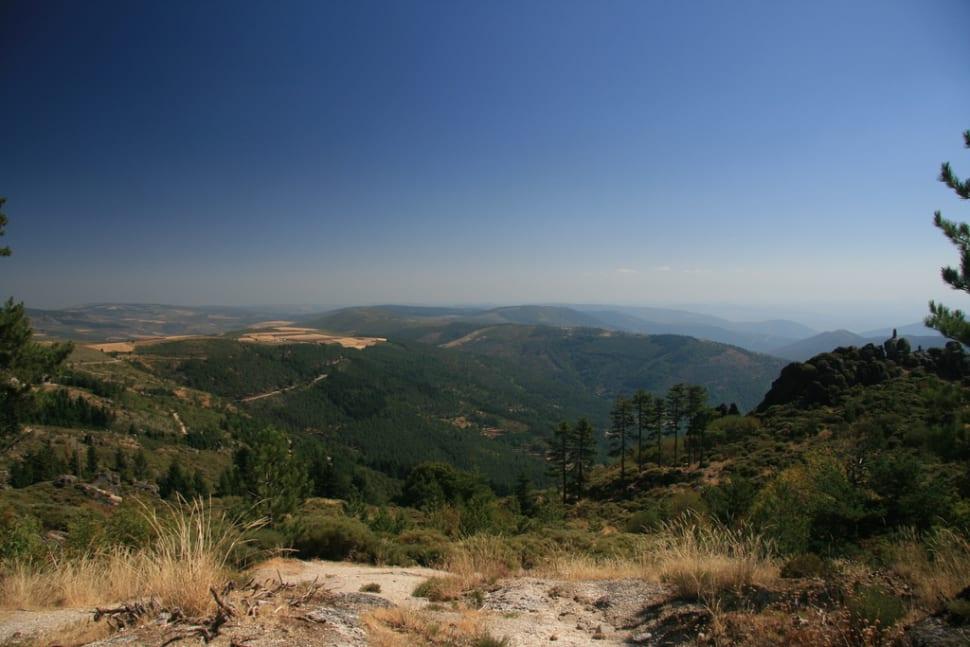 Best time to see Hiking in Parque Natural da Serra da Estrela in Portugal