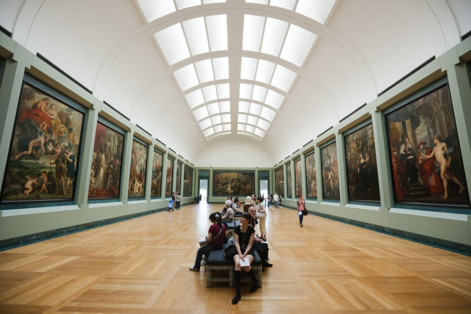Louvre with Shorter Queues in Paris - Best Season