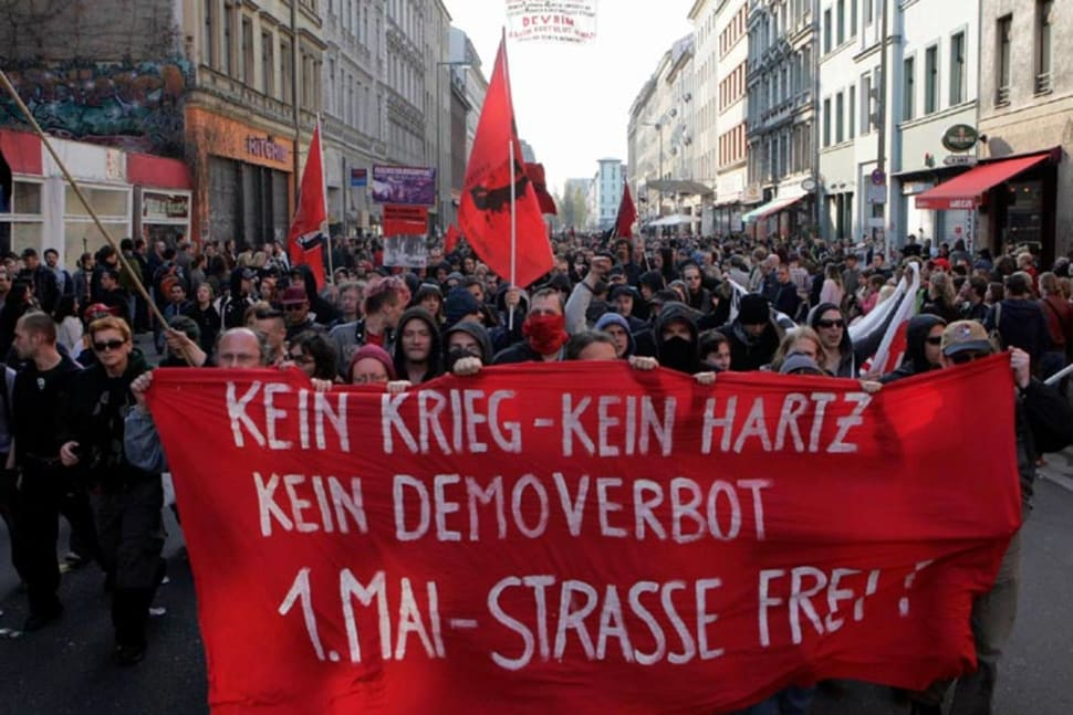 Revolutionary May 1 Demonstration 2006 Oranienstraße in Berlin-Kreuzberg, undeclared spontaneous demonstration
