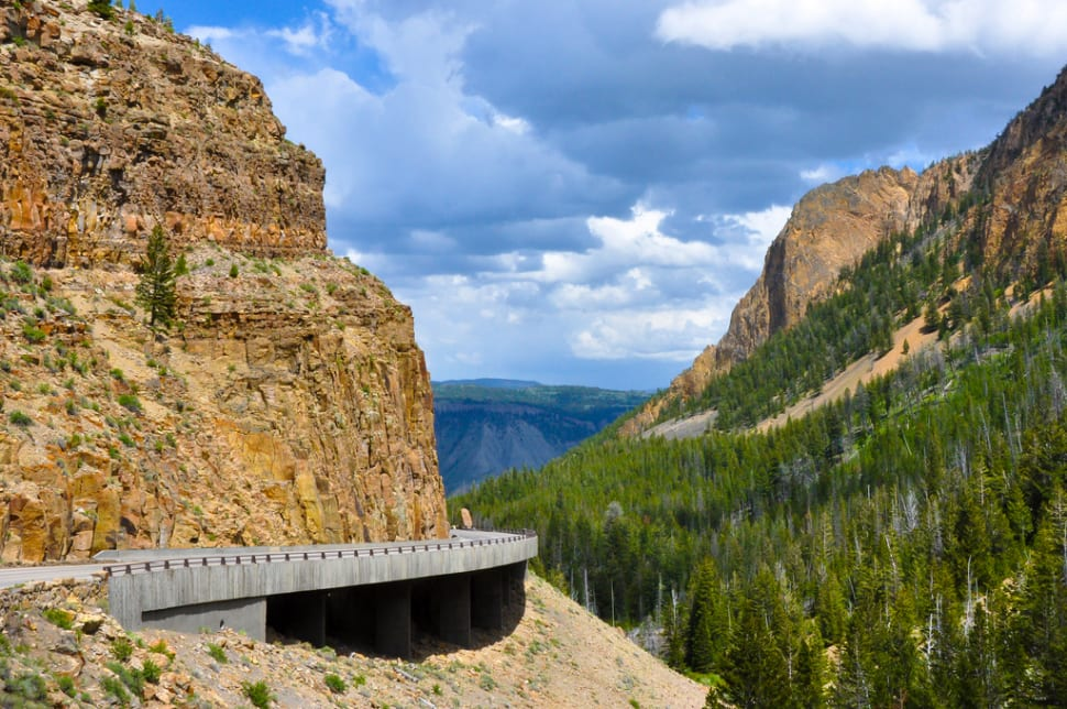 Touring the Grand Loop in Yellowstone National Park - Best Time