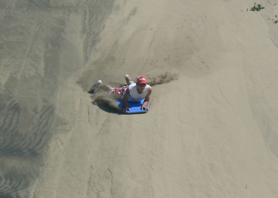 Sandboarding in Sigatoka in Fiji - Best Season