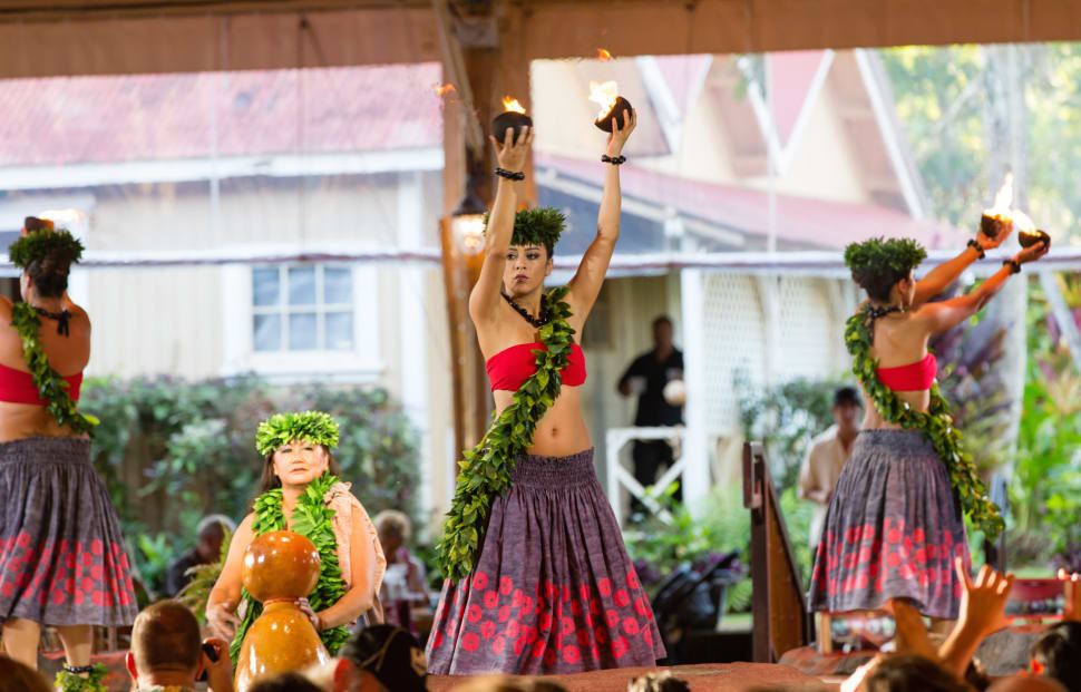Luau Party in Hawaii - Best Time