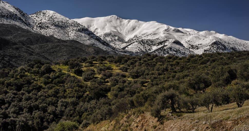 Lefka Ori Hike (The White Mountains) in Crete - Best Season