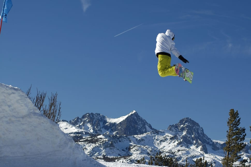 Skiing and Snowboarding  in Los Angeles - Best Season