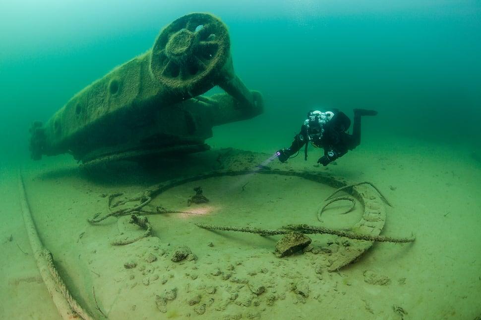 Diving in Rummu Quarry in Estonia - Best Season