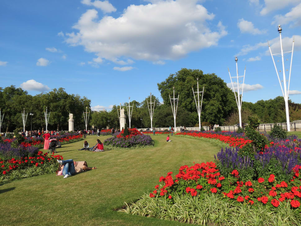 Garden in front of the Buckingham Palace