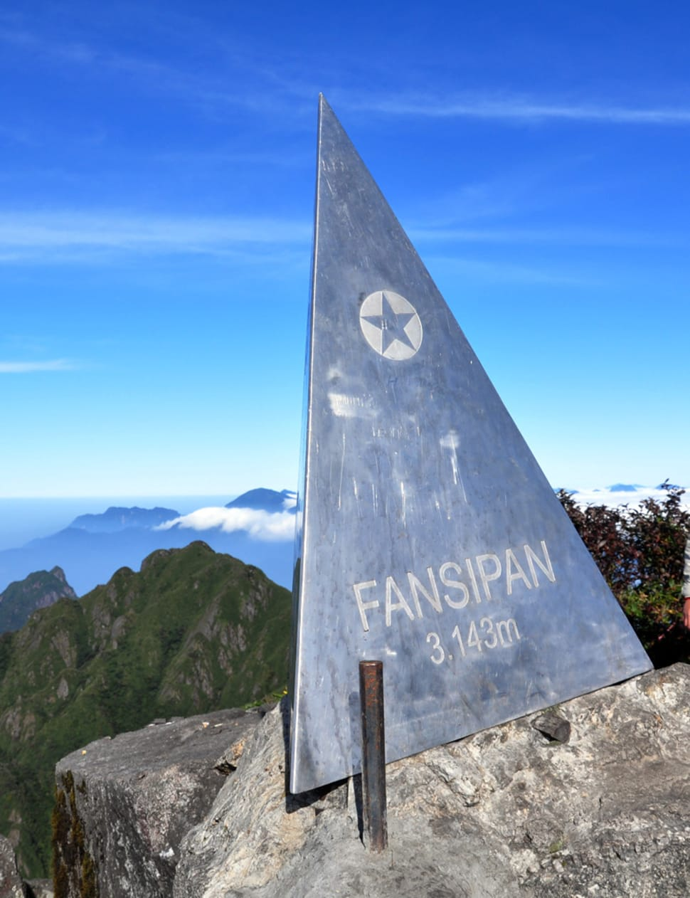 lxjp9avhc11gurkecwhn - Would you consider conquering the highest peak of Indochina?