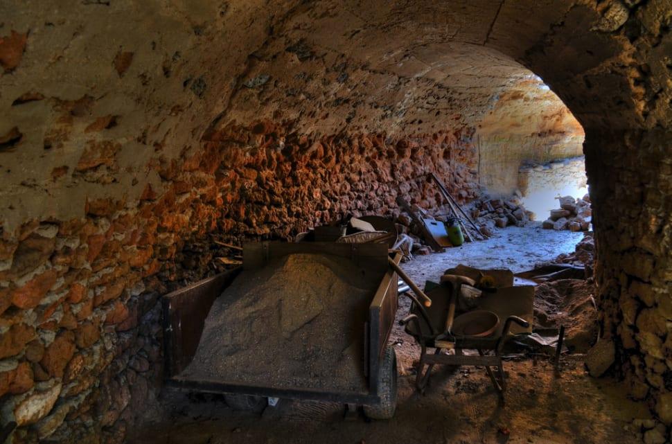 Repairing a hand-dug tunnel