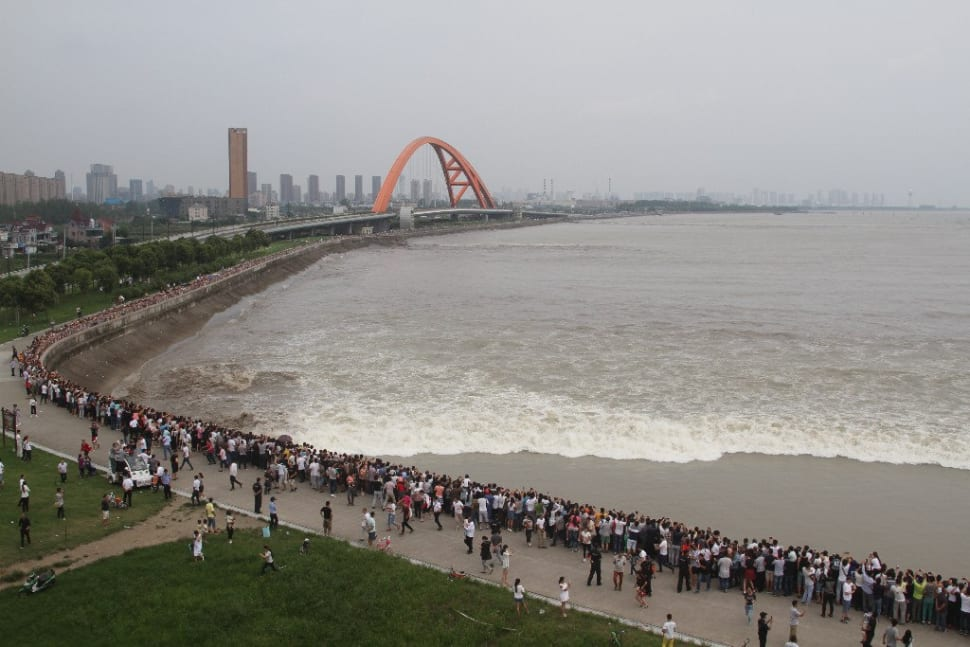Best time to see Qiantang River Tidal Bore in China