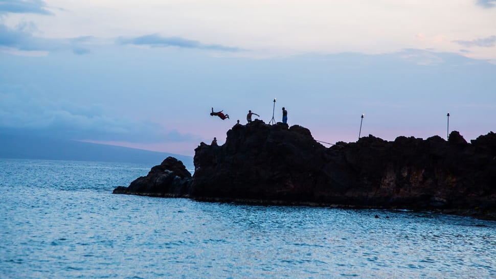 Best time for Torch Lighting and Cliff Diving in Hawaii