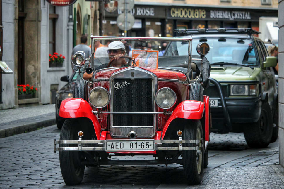 Vintage Cabrio Tour in Prague - Best Season