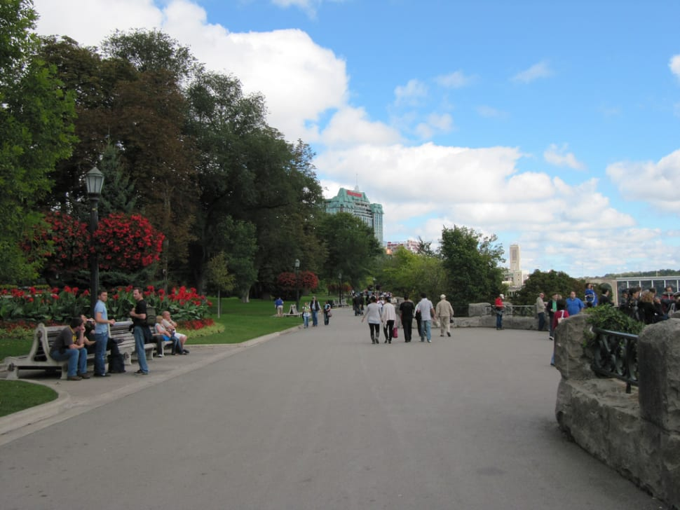 Best time for Queen Victoria Park in Niagara Falls