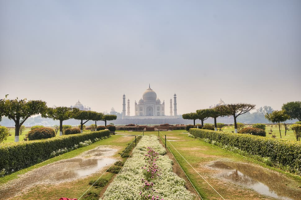 Gardens of Agra after the Monsoon in Taj Mahal and Agra  - Best Time
