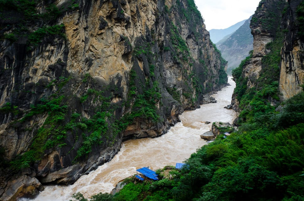 Tiger Leaping Gorge Hiking in China - Best Time