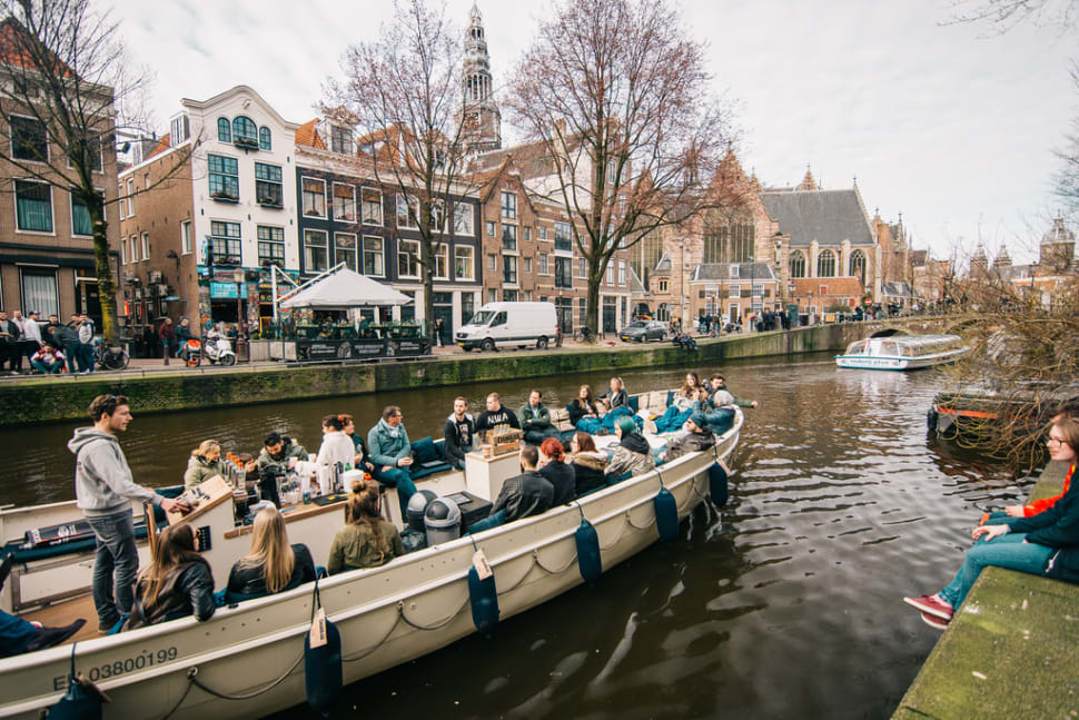 Best time to see Canal Cruising in Amsterdam