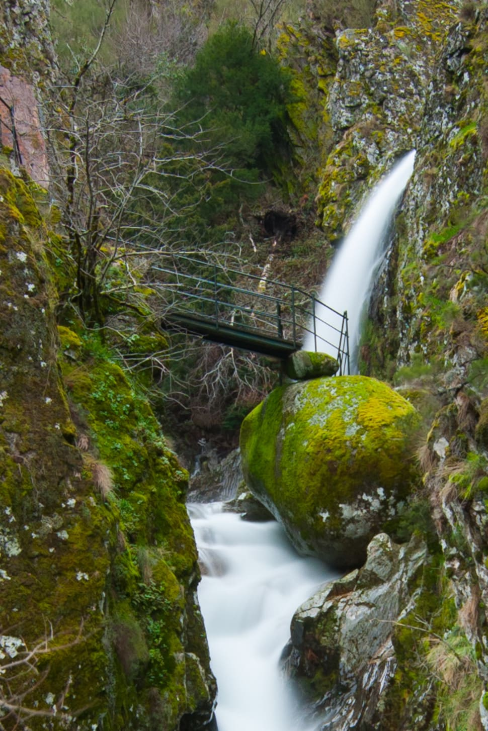 Hiking in Parque Natural da Serra da Estrela in Portugal - Best Season