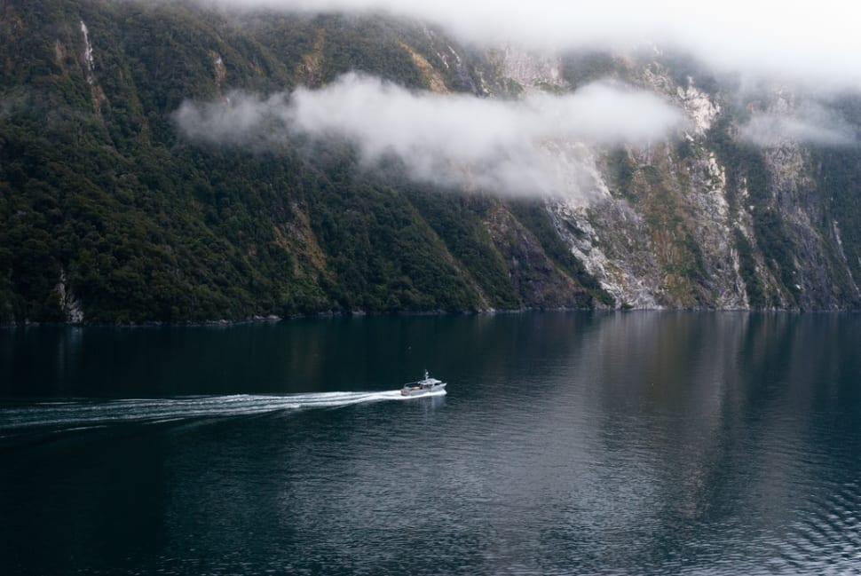 Milford Sound in New Zealand - Best Season
