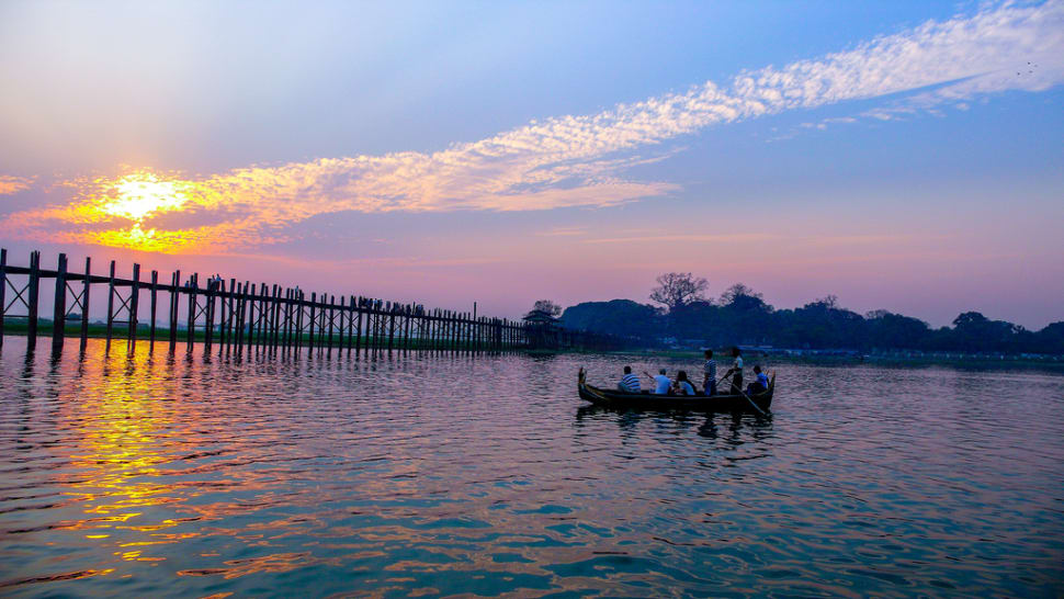 Best time for U Bein Bridge in Myanmar